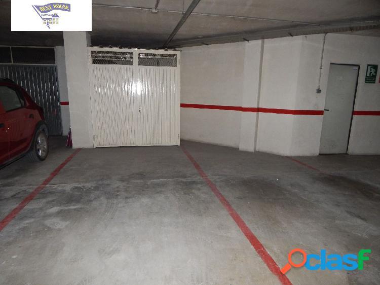 Se vende plaza de garaje amplia con trastero en san jose!!!