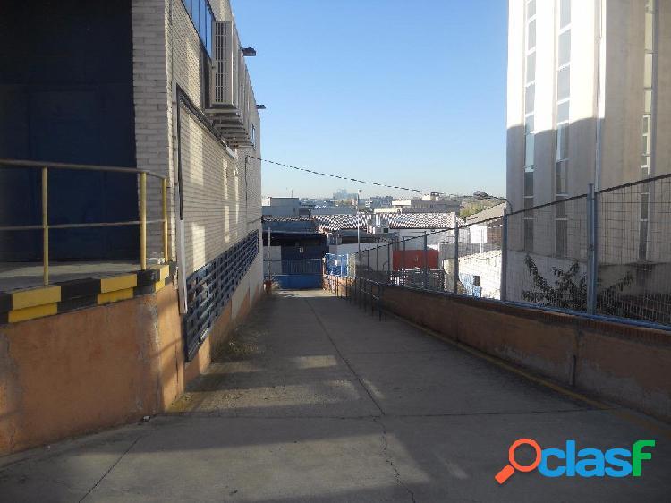 Alquiler o venta de nave en zona industrial de alcobendas. madrid.