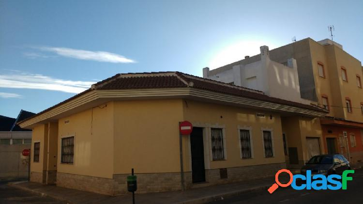 Edificio en los montesinos. ref.- 56846