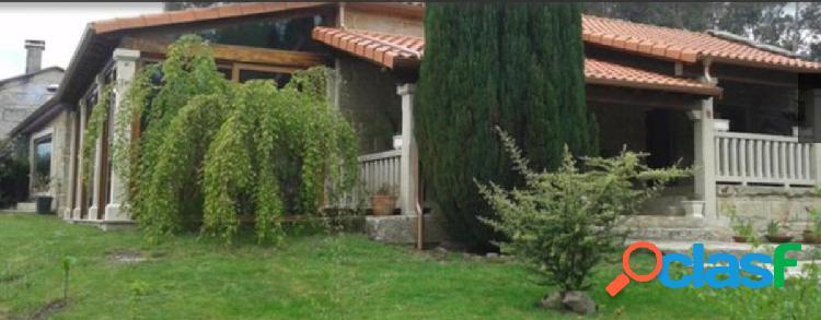 Casa rustica de piedra reformada