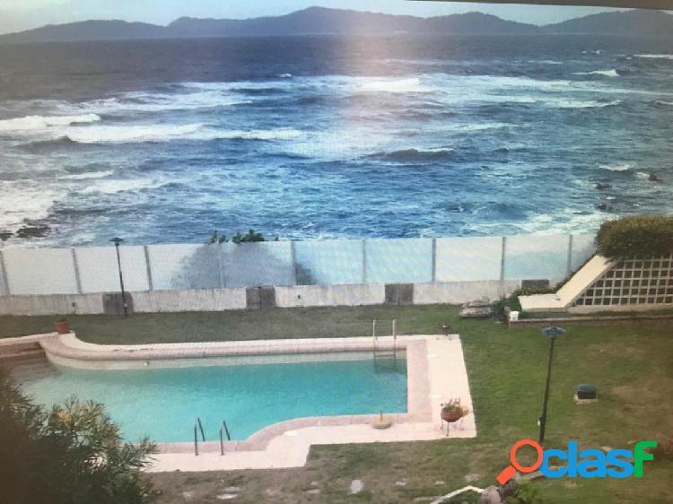 Chalet espectacular y exclusivo con acceso directo a la playa