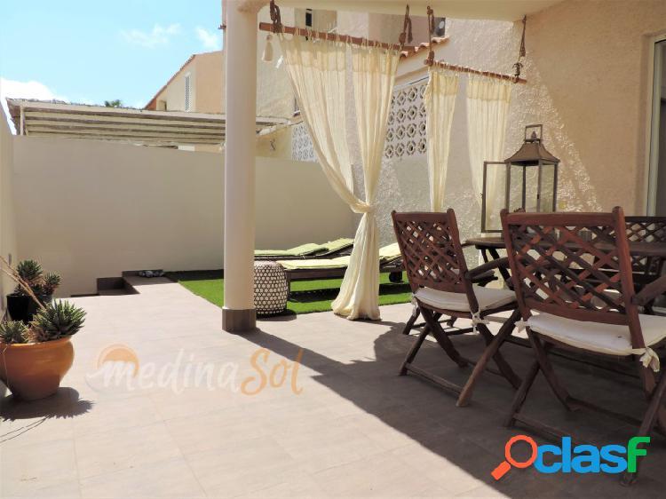 Chalet 3 plantas con terraza y piscina mar de cristal