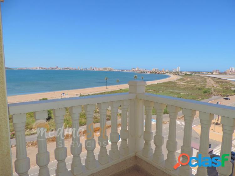 Primera linea de playa con vistas