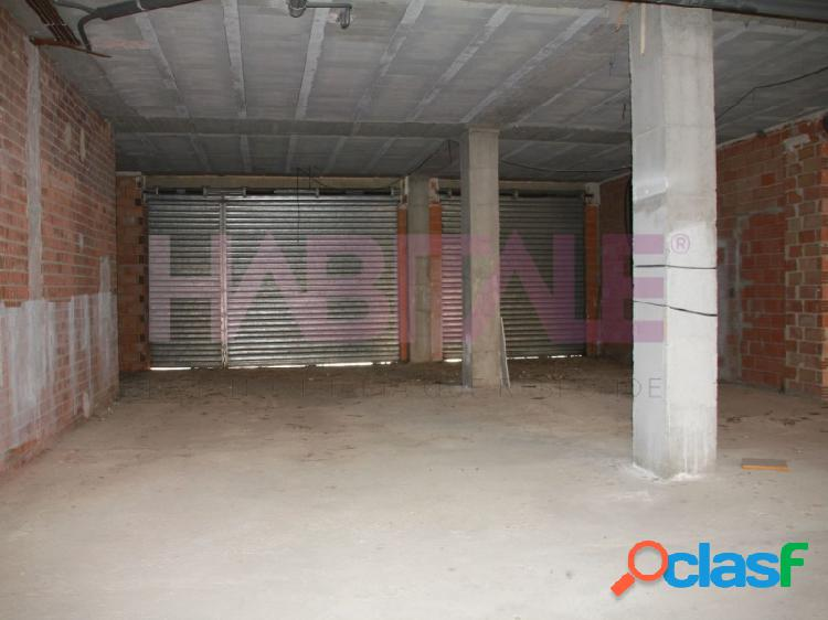 Local comercial en torrent. zozona alta avenida al vedat
