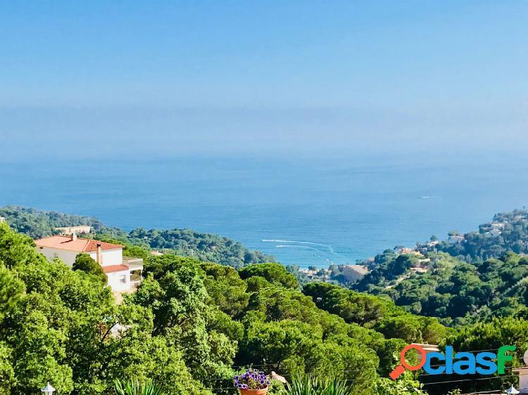 Villa con piscina e increíbles vistas mar