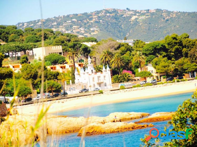 Villa señorial en primera linea de la playa de st pol s'agaro con vistas panorámicas al mar
