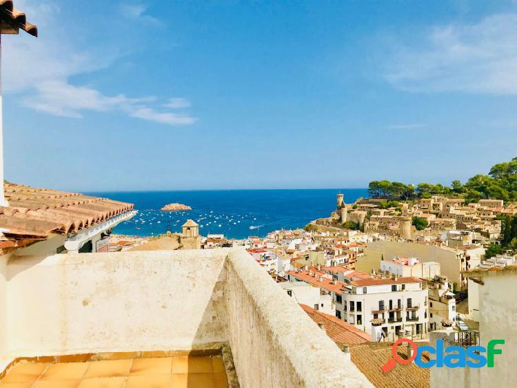 Casa de hadas en el corazón de Tossa De Mar con vistas al mar de ensueño y al castillo, a pocos minutos a pie de la playa!