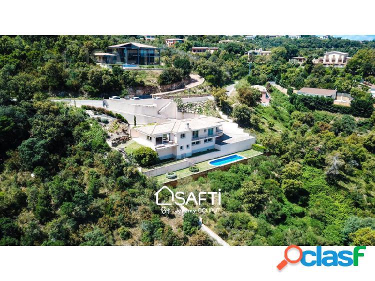 Villa de lujo de 3 dormitorios, piscina, vistas al mar