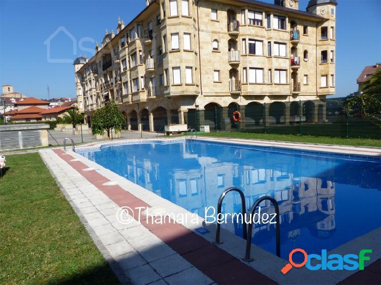Espectacular piso en urbanización con piscinas y zonas de juego a 3 km de las playas en el centro de treto.