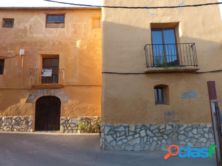 Gran casa en estadilla, perfecta para casa rural o apartamentos turísticos