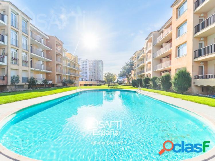 Apartamento t2 con piscina, a 100 m de la playa.