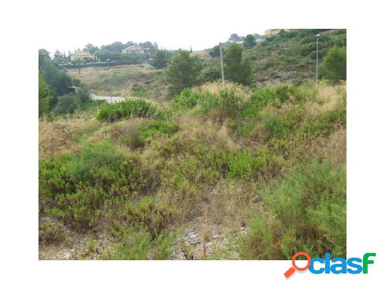 Sensacional parcela esquina a dos calles frente a una zona verde. urbanización san cristobal alberic.