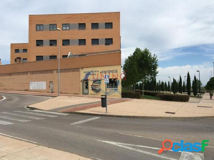 Local comercial situado en planta de calle, con una superficie de 141 m2, excelente situación.