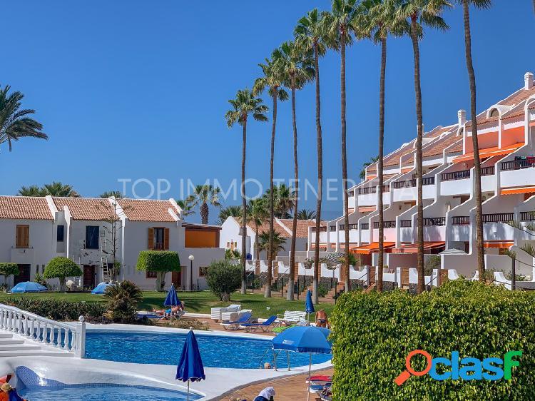 Apartamento bien cuidado con gran terraza en una ubicación privilegiada en playa las Américas en venta