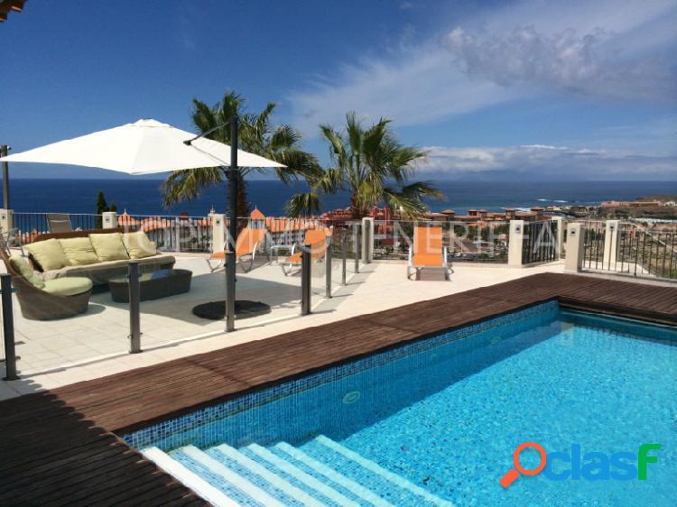 Villa con increibles vistas en costa adeje