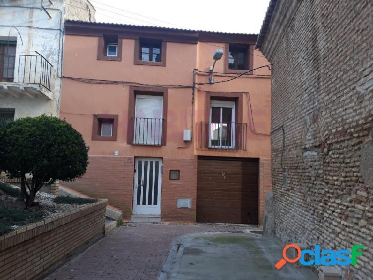 Alcalá de ebro. venta de casa de pueblo. con cuatro dormitorios a reformar.