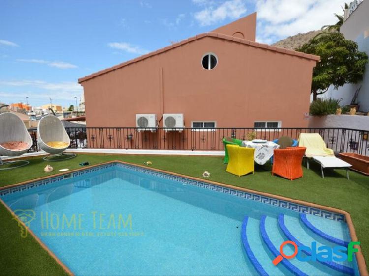 Magnífica villa con piscina privada y vistas al mar, en arguineguin