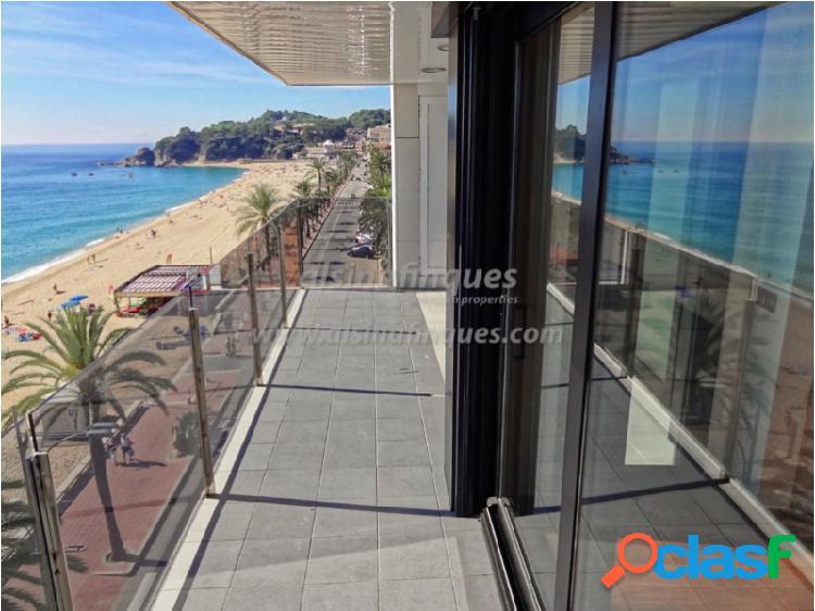 Apartamento, nuevo, primera línea, 140 m2, 4 dormitorios, parking, paseo de lloret de mar, increíbles vistas al mar