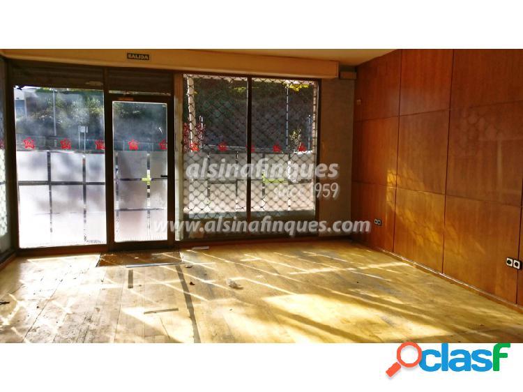 Oficinas en local comercial con varios despachos situado en lloret de mar distribuido en varias plantas