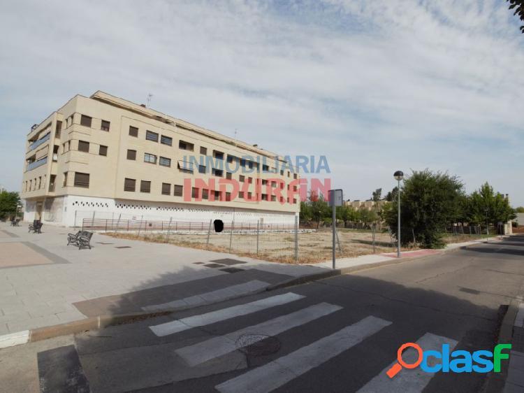 Solar urbano totalmente urbanizado situado en el camino del goche, en la unidad de actuación 15, navalmoral de la mata (cáceres)