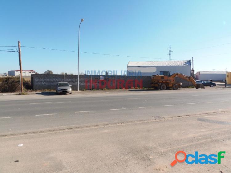 Solar industrial en la carretera de talayuela en navalmoral de la mata (cáceres)