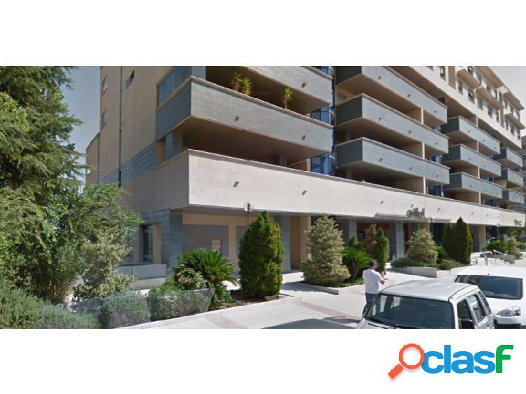 Local situado en avenida ruta de la plata en el emblemático edificio conocido 'zigurat'