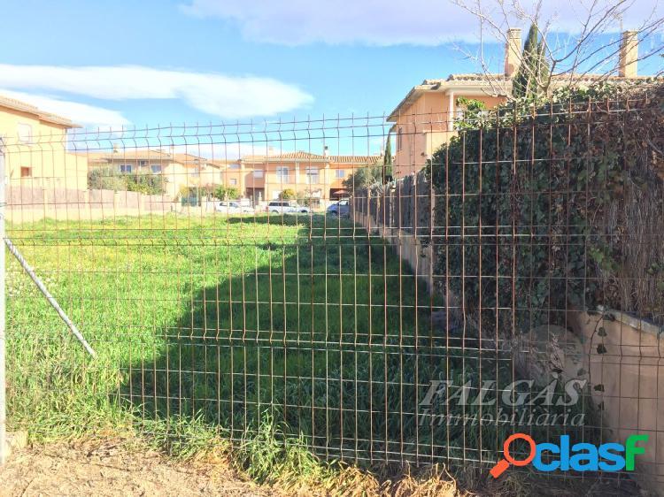 Terreno urbanizable de 409 m2 en urbanización residencial en el pueblo de vila-sacra