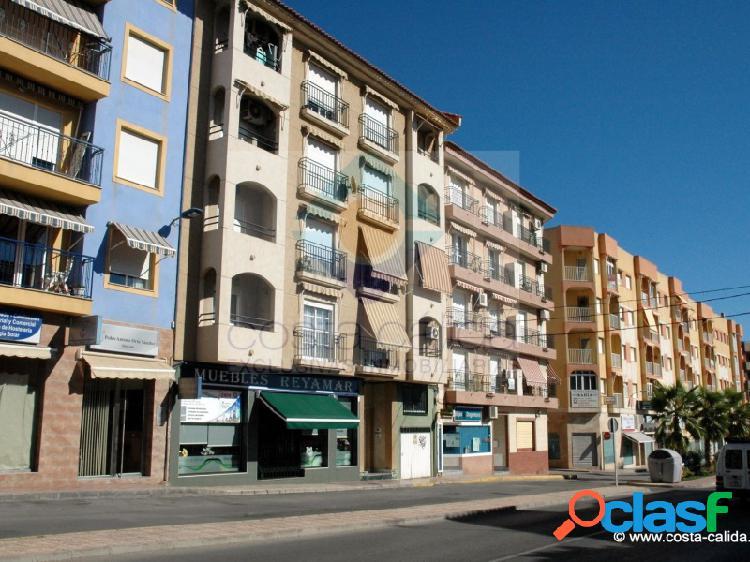Viaje al centro (del puerto): 2 dormitorios y garaje en doctor meca