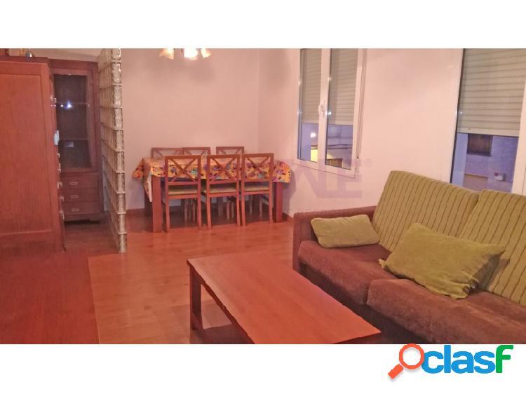 Elda: piso 2º, 78 m2, 2 dormitorios, completamente reformado y amueblado. 48.000 €