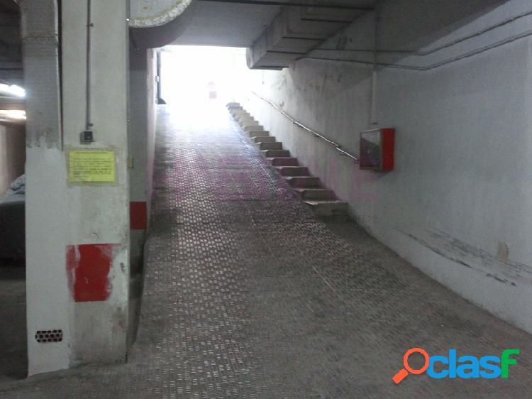 Elda: plaza de garaje abierta de 9 m2. zona av. chapí. 4.800 €