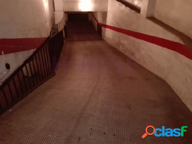 Elda: garaje cerrado 13 m2, zona chapí-cocoliche. 10.000 €