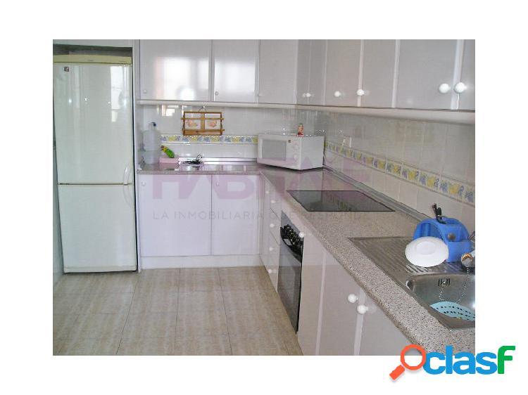 Elda: piso alquiler 72 m2, ascensor, 3 dormitorios, con garaje cerrado. 400 euros. zona av. ronda. sólo para profesores.