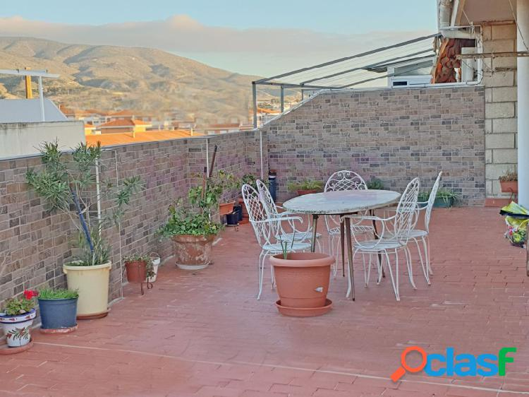 Zona petrer elda, atico terraza 80 m2. esquina. 105.000 euros.