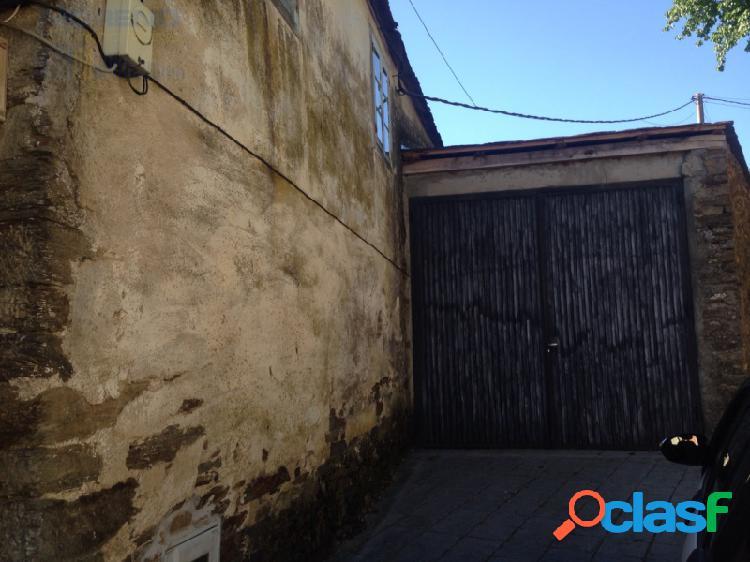 Casa en triacastela con solar - camino de santiago-