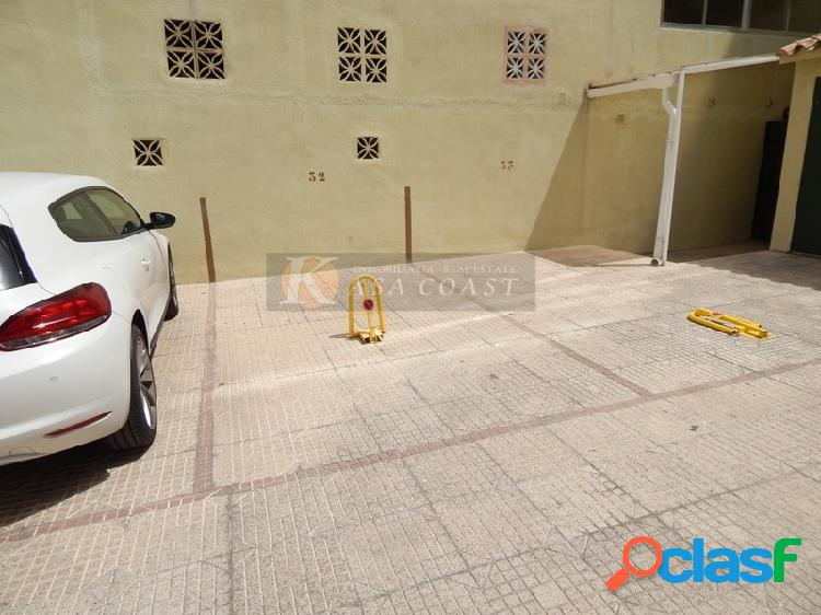 Plaza de garaje en venta en 2º línea de playa en pleno centro de fuengirola.