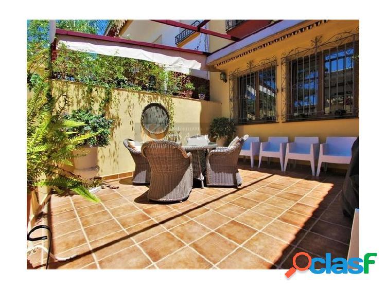 Casa adosada en venta en pueblo lópez, fuengirola.
