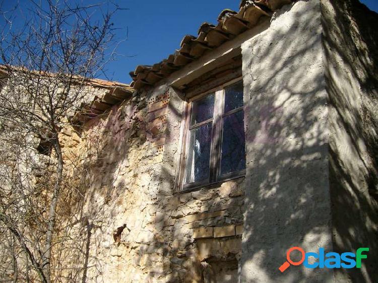 4 casas de piedra del siglo xviii. en una parcela de 18.000 m²
