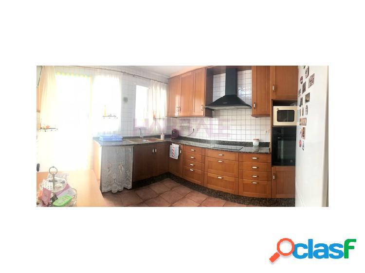 Casa de pueblo con 5 dormitorios y patio interior de 100 m² en riba roja - valencia