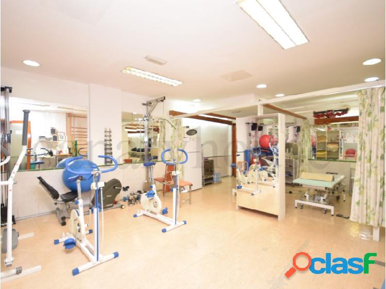 Se vende local comercial, con centro de rehabilitación de fisioterapia, en el área de Mogan, Gran Canaria.
