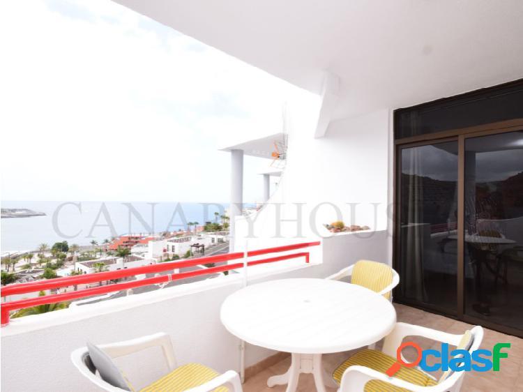 Apartamento en venta, con vistas al mar, en playa del cura, gran canaria.