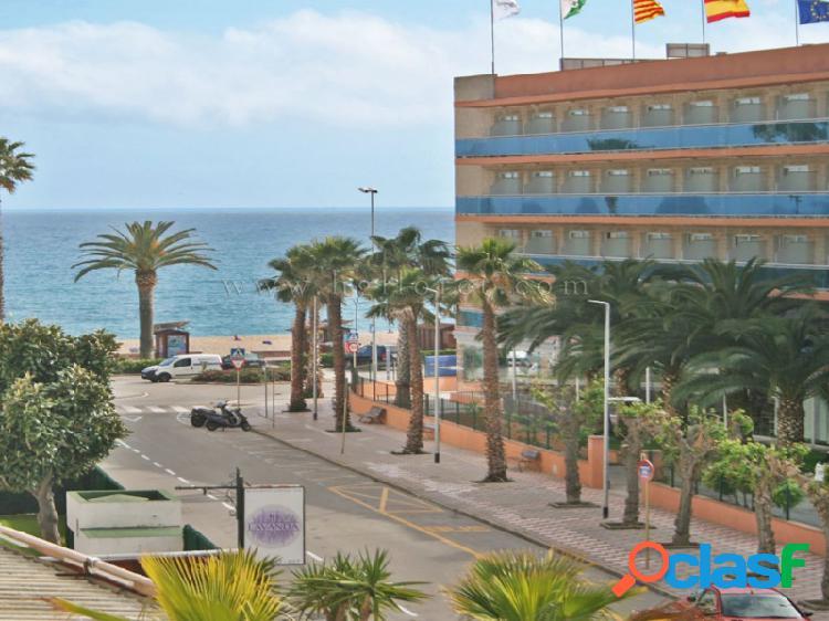 Apartamento con vistas al mar a solo 20 metros de la playa
