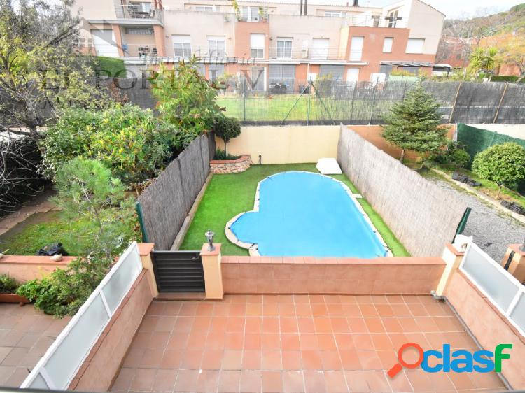 Casa en zona exclusiva de canet de mar via figuerola con piscina privada