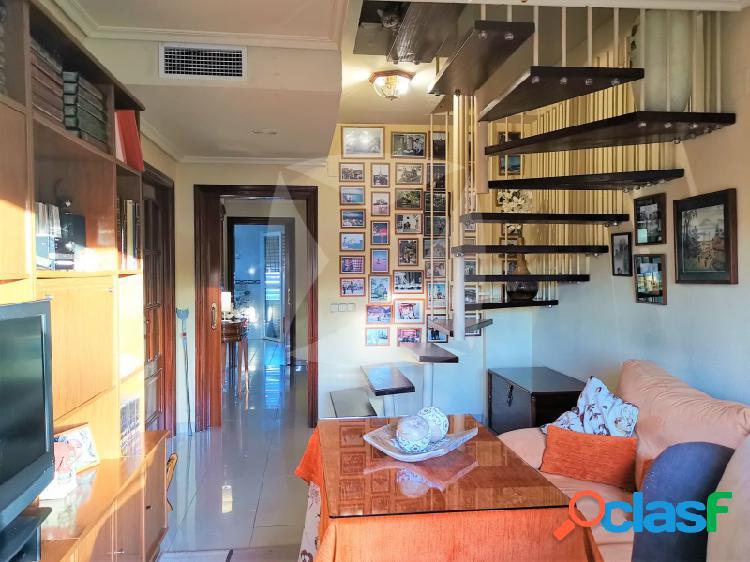Venta de atico duplex con 3 terrazas y psicina en jardines del guadiana