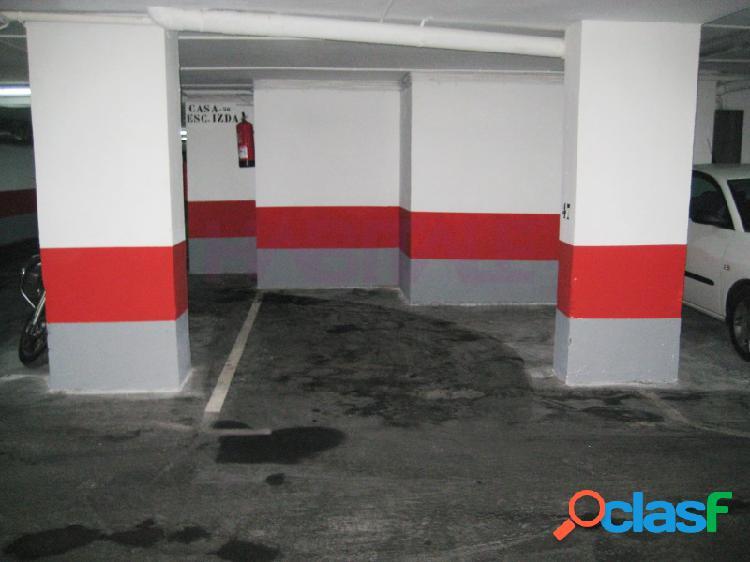 Garaje para coche pequeño en t. fleta edificio civuasa. 3,50 x 2,60.