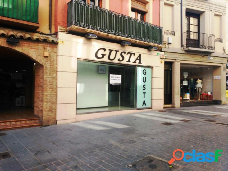 Huesca, local de dos plantas, 190 m², en perfecto estado.