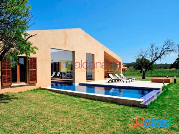 Chalet moderno con piscina en pollensa.
