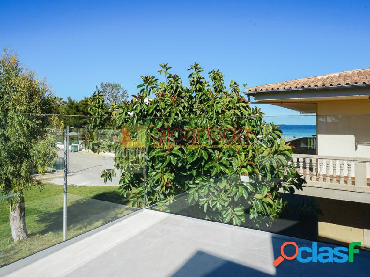 Chalet pareado, con vistas al mar, en la playa de alcudia