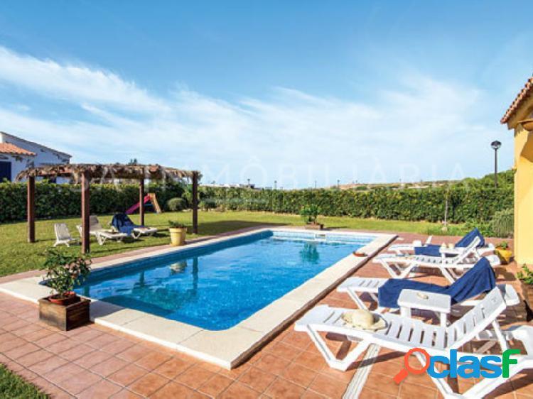 Chalet con piscina en punta grossa muy próximo a la playa de arenal d'en castell
