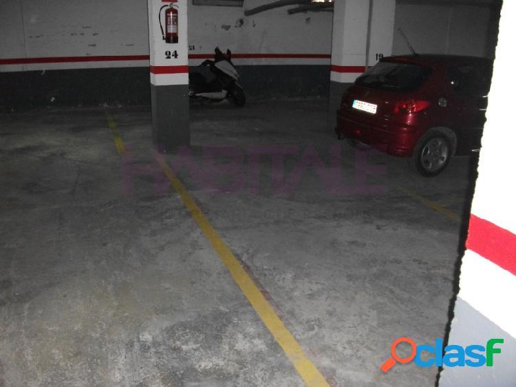 Plaza de garaje en planta -1, acceso por rampa, medidas 2,3 x 5,7. superficie útil 13,11m2. superficie construida 22m2.