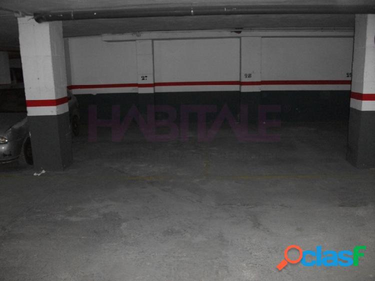 Plaza de garaje en planta -1, acceso por rampa, medidas 2,34 x 4,1. superficie útil 9,60 m2. superficie construida 22m2. posibilidad de comprar la de al lado con mismas medidas y precio. pueb